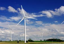 Free Wind Turbines Royalty Free Stock Photography - 18433227