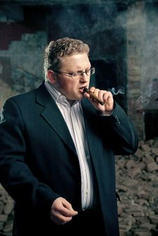 Free Mafia Boss In Suit Smoking Cigar Royalty Free Stock Image - 18438126
