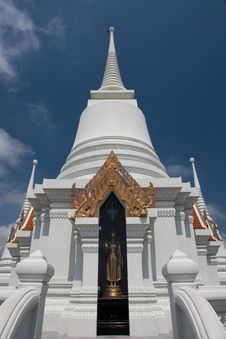 Free The White Pagoda Of Thailand Royalty Free Stock Photography - 18441497