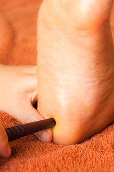 Free Reflexology Foot Massage Royalty Free Stock Images - 18443739