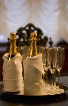 Free Champagne In Candlelight Stock Photography - 18447502