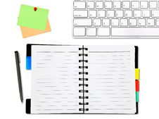 Free Open Notepad And Colored Memo With Keyboard Royalty Free Stock Photos - 18450328