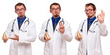 Free Set Of Three Male Doctors With Prescription Bottle Royalty Free Stock Images - 18451399