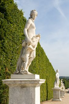 Free Versailles Garden Royalty Free Stock Images - 18451699