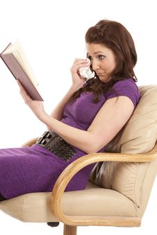 Free Woman Side View Sad Reading Tissue Stock Images - 18453974