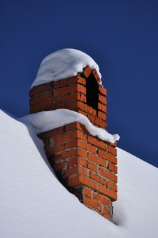 Free Chimney In Snow Cover Stock Photography - 18456362