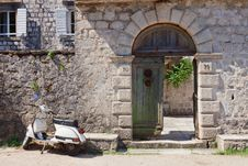 Free Moped And Gate Royalty Free Stock Photo - 18456625