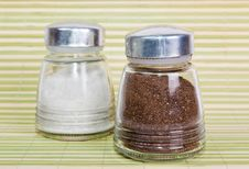 Free Salt And Pepper Shaker Stock Photography - 18457252