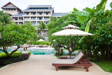 Free Hotel Garden Royalty Free Stock Photography - 18459817
