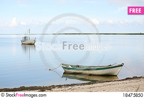 Free Boats In Peaceful Bay Stock Photo - 18475850