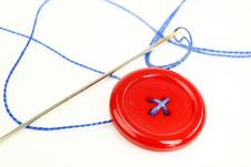 Free Button With Needle And Thread Stock Photos - 18472423