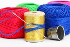 Free Colored Thread, Needles Royalty Free Stock Photos - 18472488