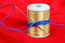 Free Colored Thread, Needles Royalty Free Stock Photo - 18472705