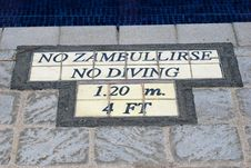 Free No Zambullirse No Diving Sign Warning Stock Photo - 18479490