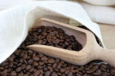 Free Coffee Beans, A Sack And A Scoop. Stock Photos - 18481003