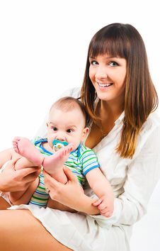 Free Pretty Young Women With Her Son Royalty Free Stock Images - 18483429