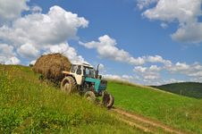 Free Hay Transportation Stock Photo - 18492180