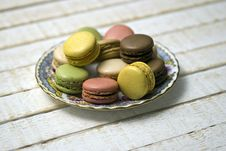 Free Plate Of Macaroons Royalty Free Stock Image - 18492376