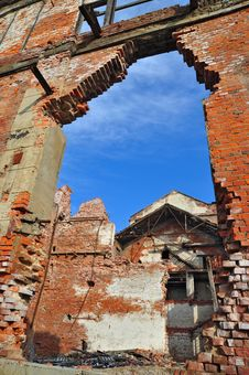 Free Ruins Of An Old Industrial Building Stock Photography - 18493932