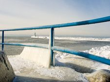Free Pier With Winter Ice Royalty Free Stock Photography - 1853077