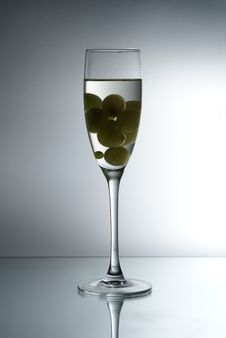 Free Grapes In The Glass Royalty Free Stock Photo - 1854705