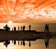 Free Reflection Of People On The Cliff Edge Royalty Free Stock Photos - 18507018
