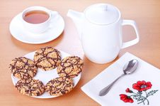 Free Biscuits With Chocolate And Peanut Decoration Stock Photos - 18507673