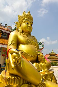 Free Golden Buddha Statue Stock Photography - 18509402