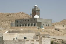 Free Mosque In The Desert Oasis Royalty Free Stock Photography - 18510957