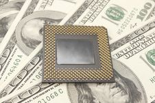 Free PC Processor On Money Backgr Royalty Free Stock Photography - 18513047