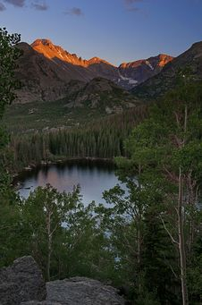 Free Bear Lake Royalty Free Stock Photography - 18513827