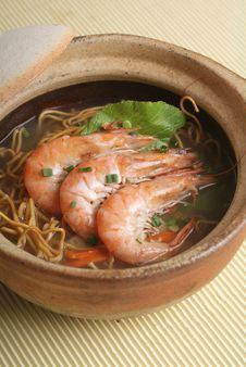 Free Claypot Seafood Noodle Royalty Free Stock Photos - 18513998