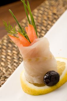 Free Sea Bass Rolls With Tomatoes Royalty Free Stock Photos - 18517078