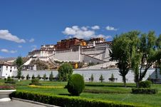 Potala Palace In Lhasa Stock Photo