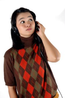 Free Young Woman Was Listening Music With Headphone Royalty Free Stock Photos - 18518508