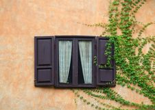 Free Italian Style Window Royalty Free Stock Photos - 18518958