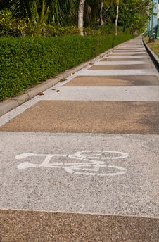 Free Bicycle Lane Royalty Free Stock Photography - 18519537