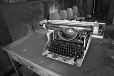 Free Typewriter Stock Photo - 18521000