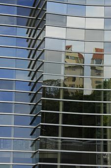 Free Building Reflection Stock Image - 18523221