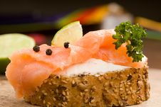 Free Slice Of Bread With Smoked Salmon Stock Photography - 18525642
