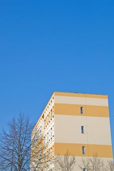 Free Apartment Building Royalty Free Stock Photo - 18527855