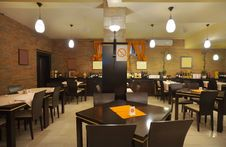 Free Restaurant Interior Royalty Free Stock Photos - 18528148