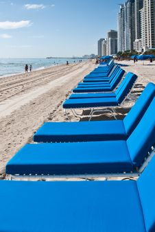 Free Blue Lounge Chairs On The Beach Stock Image - 18528641