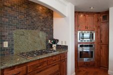 Free Stylish  Kitchen Royalty Free Stock Images - 18530999