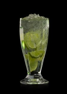 Free Cocktail With Lime And Ice Stock Photo - 18531850