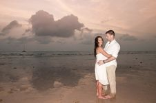 Free Beach Wedding With Bride, Groom Royalty Free Stock Photos - 18533308