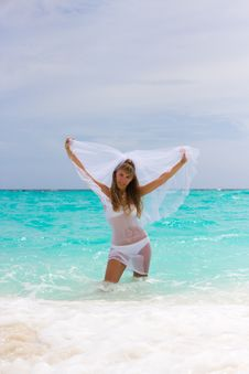 Free Bride On A Tropical Beach Stock Image - 18537551