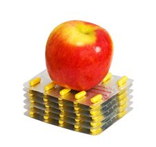 Free Red Apple And Pills Isolated Royalty Free Stock Photography - 18546117
