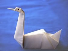 Free Origami Swan On Blue Background Royalty Free Stock Photo - 18548795