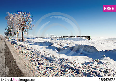 Free Winter Road On A Sunny Frosty Day Stock Photos - 18552673